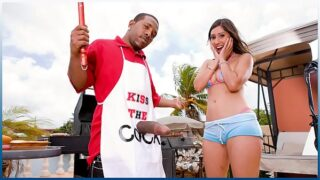 BANGBROS – Grill Master Shorty Mac Serves Alexis Breeze Some Meat